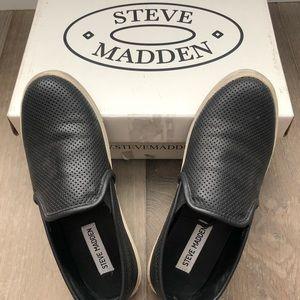 Steven Madden Slip-on sneakers (Same Vince style)